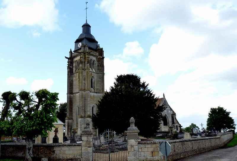 Eglise Notre-Dame d'Iville © Wikipédia PhAubry
