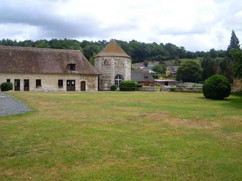 Gîte de groupe Château La Motte, Montfort-sur-Risle © Adetmir