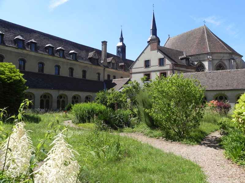 Abbaye St Nicolas © OT Pays EAI