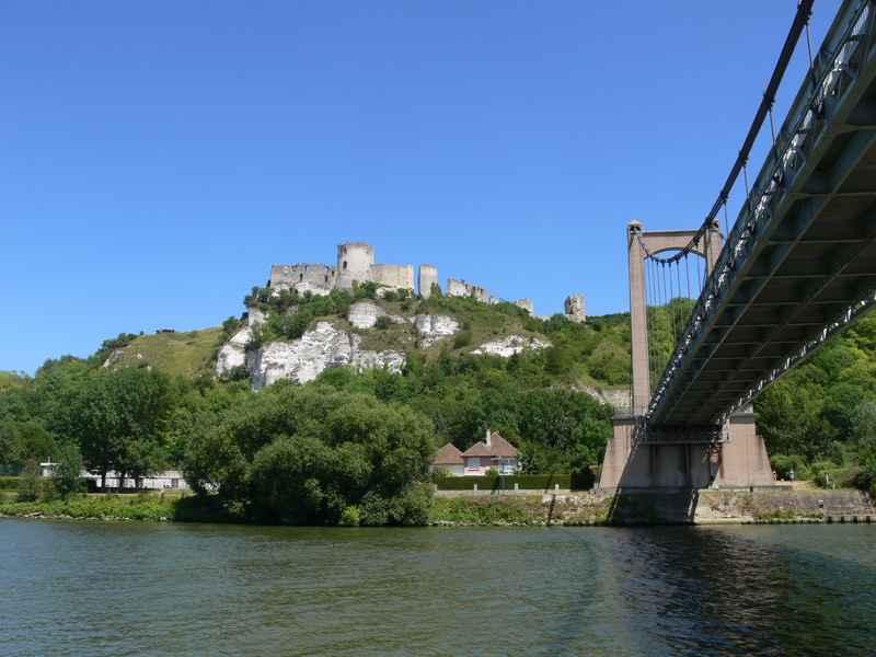 Vue d château Gaillard depuis la croisière Liberté Seine © Liberté Seine