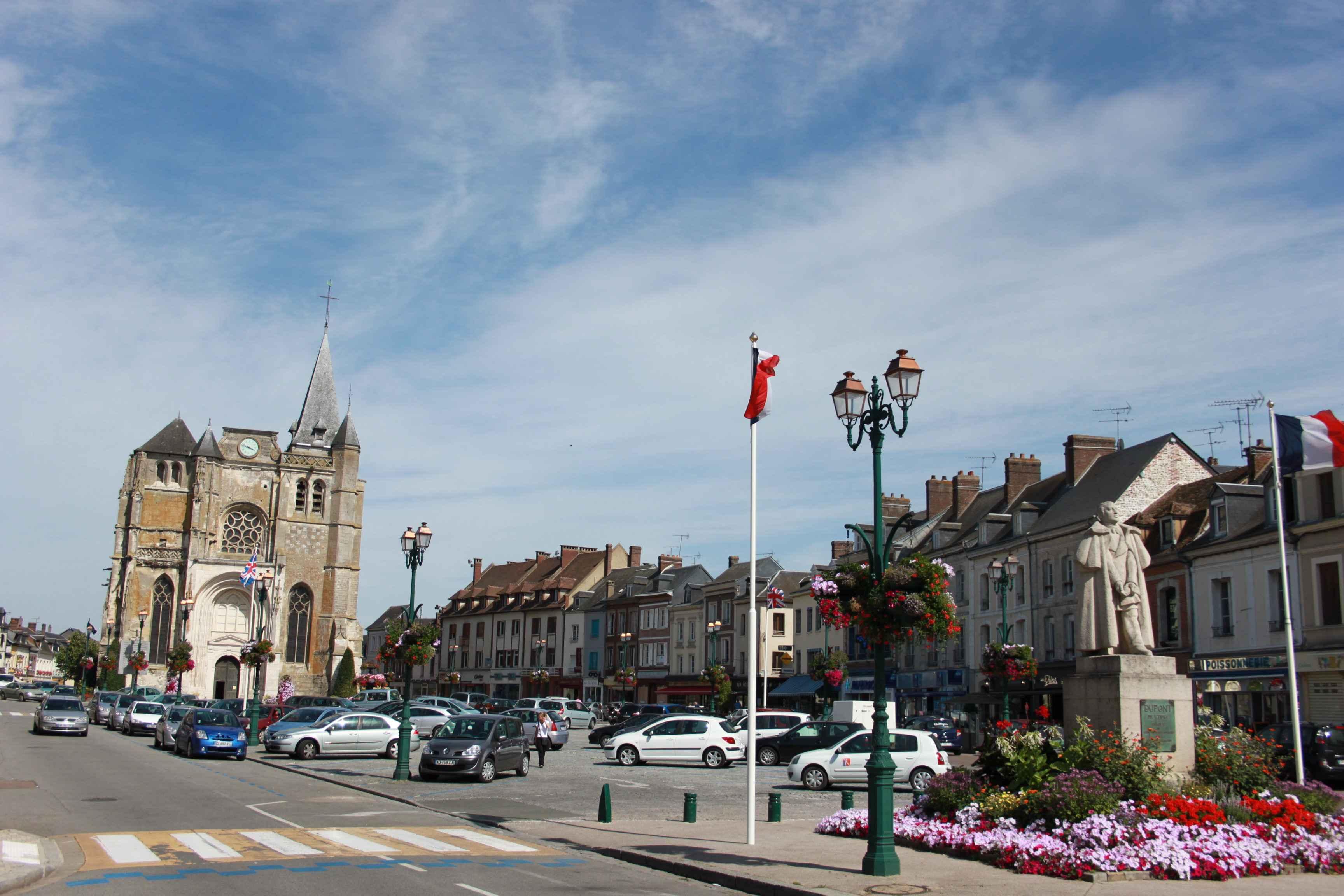 Place Dupont de l'Eure©OT du Neubourg