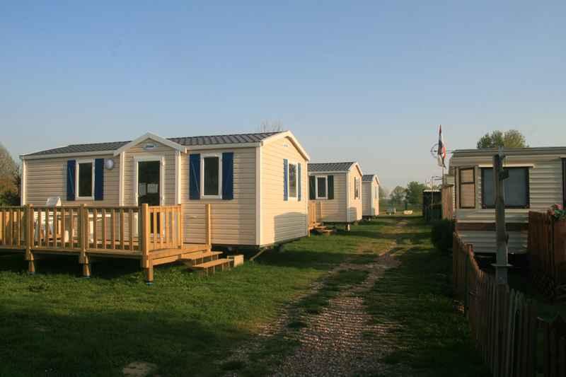 Camping Ile Adeline, Poses